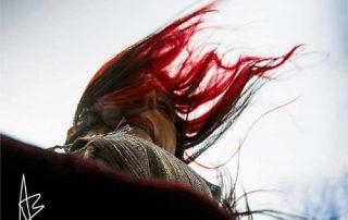 angela bartoletti con capelli al vento